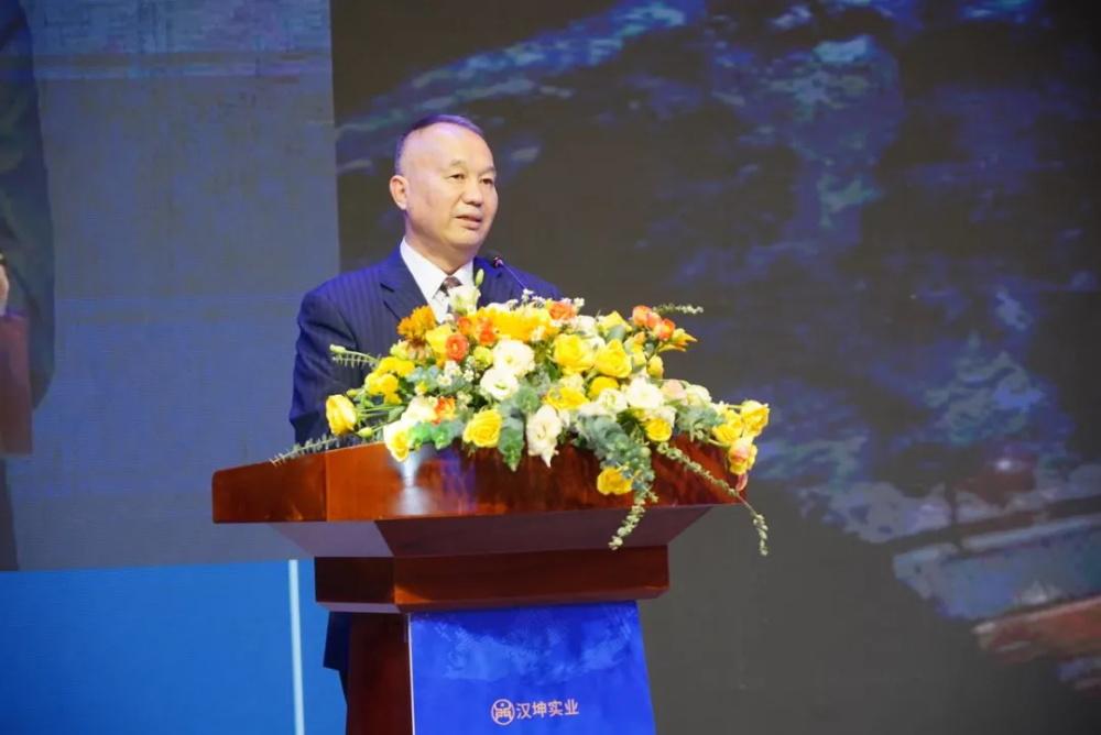国家发改委《中国经济导报》社原社长王平生